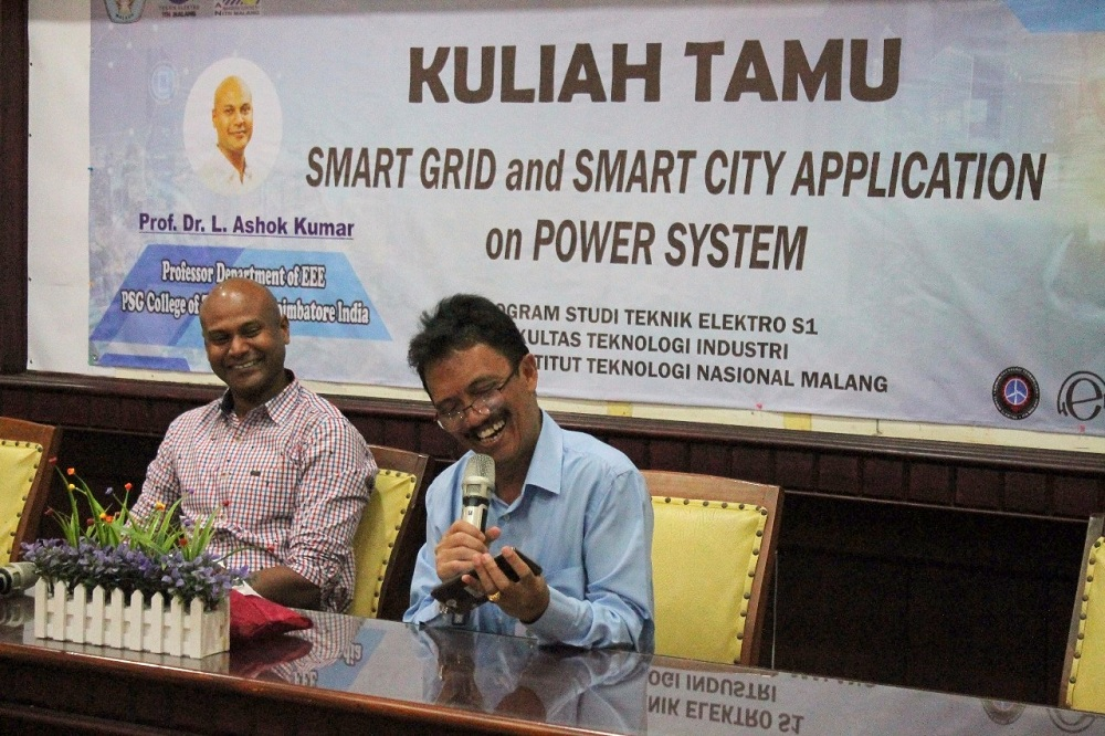 Dosen India Beri Kuliah Tamu Teknologi Smart Grid And Smart City Aplications On Power System di ITN Malang